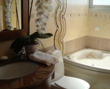 Second-Bathroom-with-Jacuzzi-1
