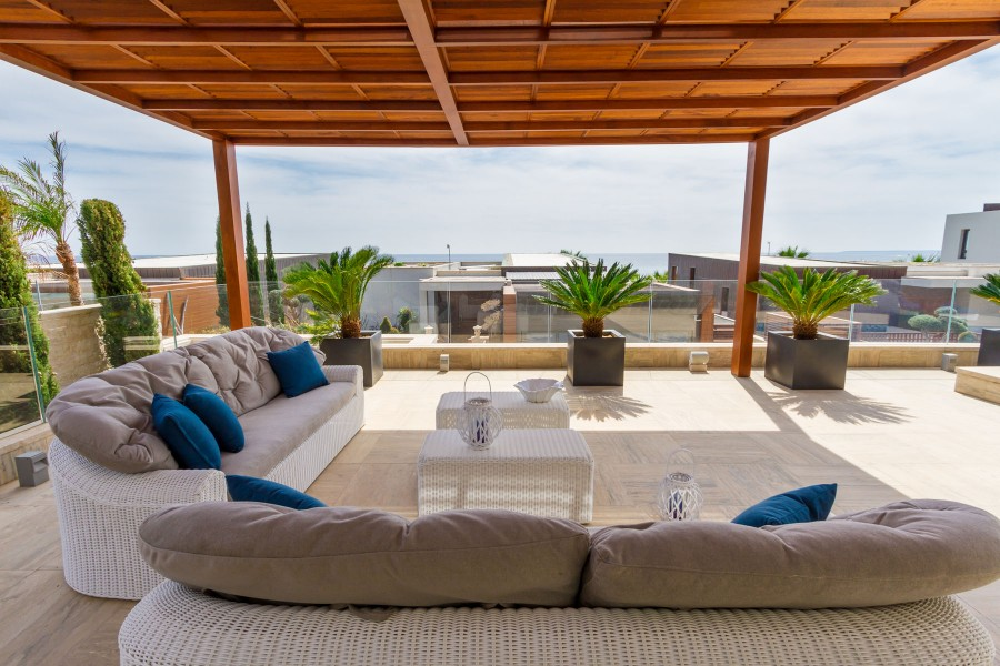 Luxury Vacation Villa for Rent  by the Sea in Limassol