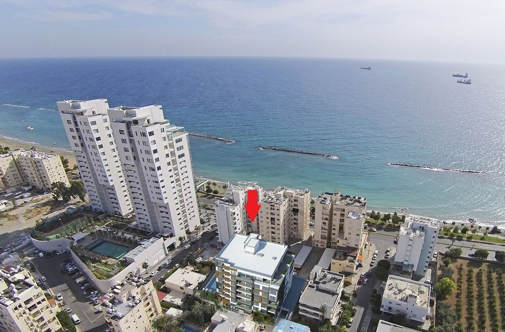 ESSEX Luxury Apartment for sale in Limassol Cyprus, Luxyry apartment for sale by the sea, Seafront apartments for sale Limassol